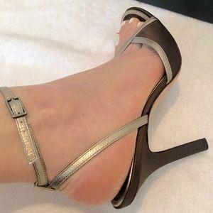 ♥️ Sexy ! BCBG MAXAZRIA Sandals ♥️